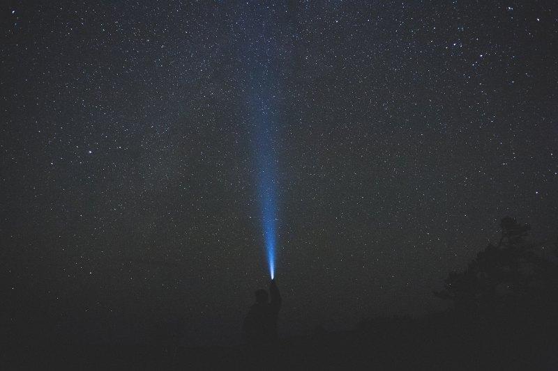 Cielo notturno illuminato