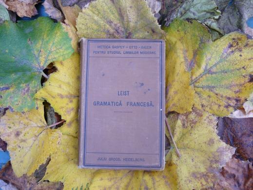 book-1347514_1920