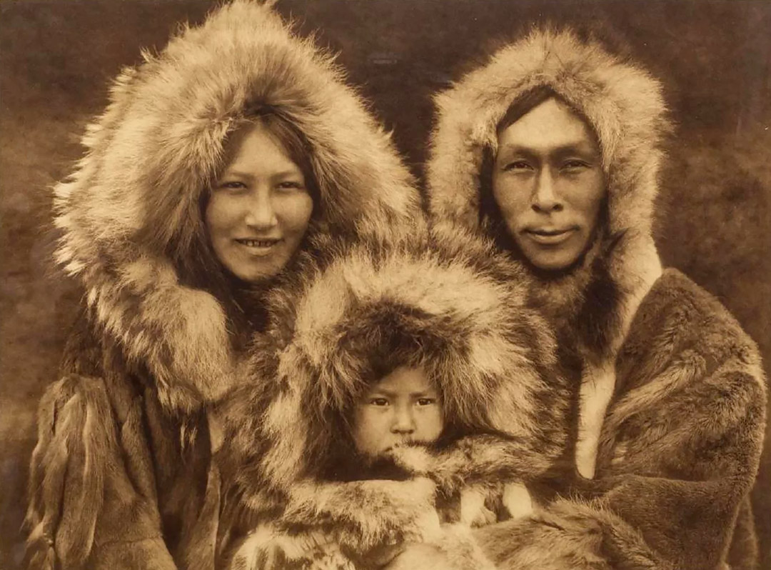 curtis-a-family-group-noatak-1080px