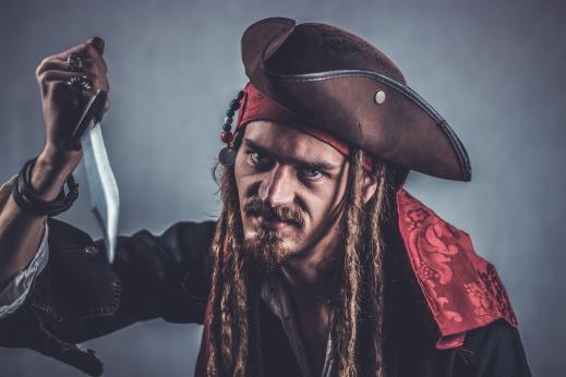 pirate-2750279_1920