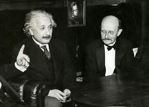 Einstein_Planck_in_1931-jpg