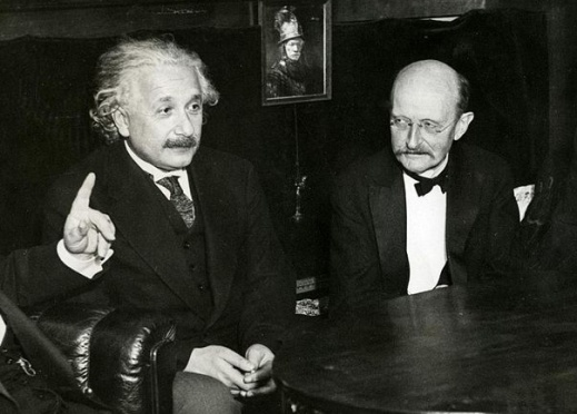 Einstein_Planck_in_1931-jpg